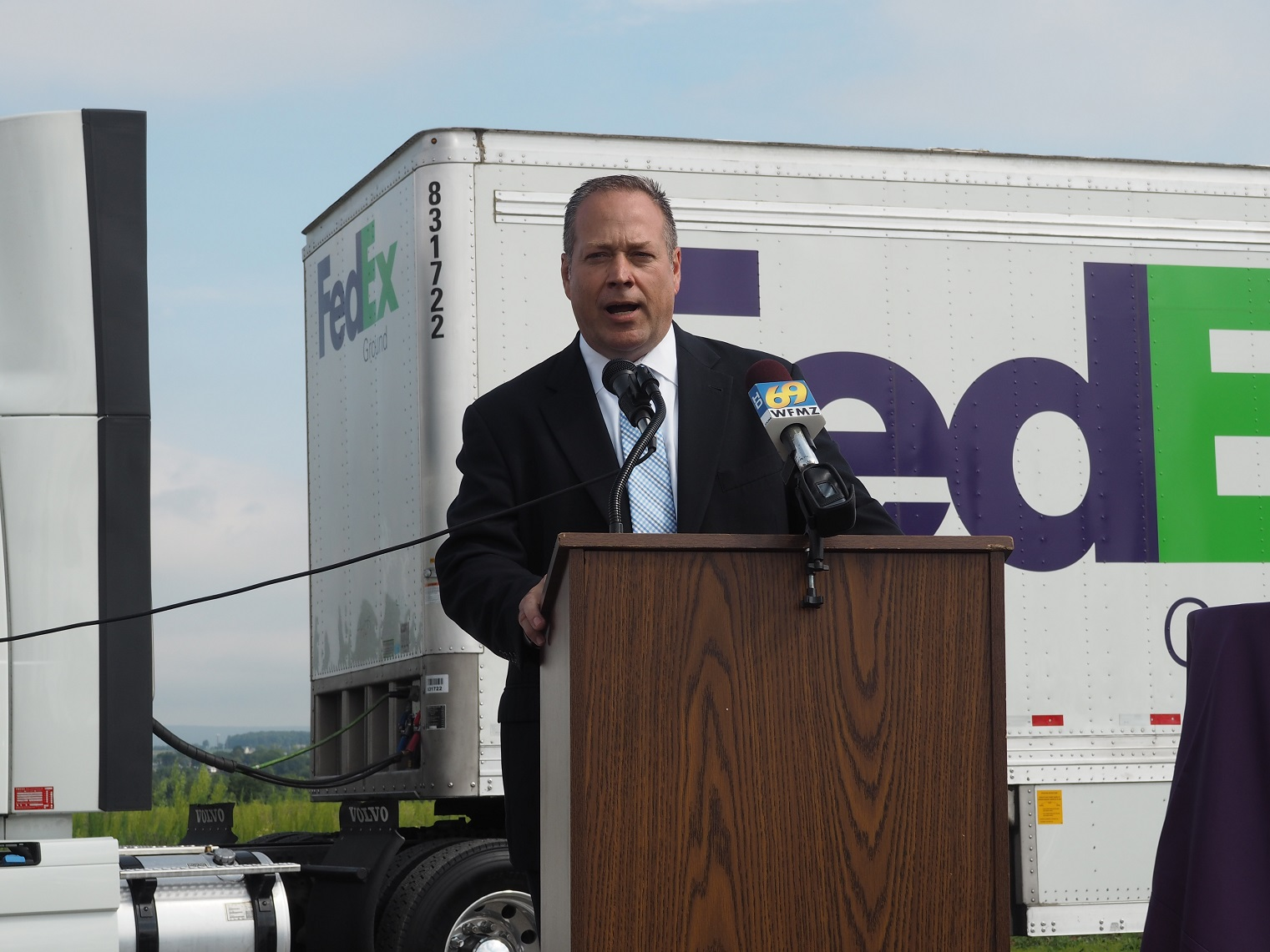 Scott Burns, Fedex Ground's Vice President, Eastern Region, speaking at the Fedex Ground groundbreaking in Allen Township.