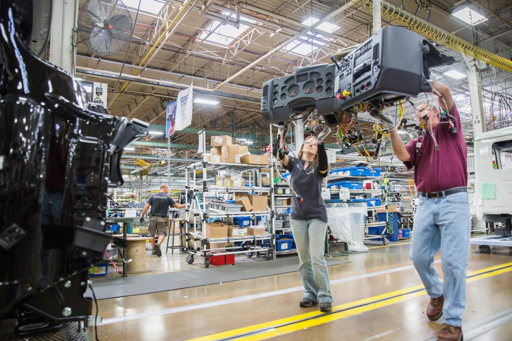 More than 32,000 people now work across the region's 680 manufacturing companies. (photo by Marco Calderon)