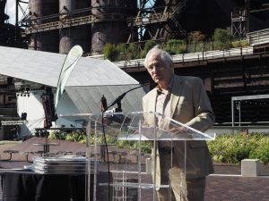 Simeon Bruner, architect and founder of the Rudy Bruner Award, speaking at the SteelStacks ceremony.